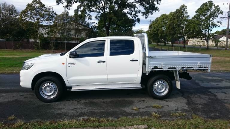 2015 Toyota Hilux Left