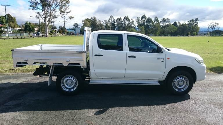 2015 Toyota Hilux Right